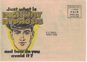 Afbeelding waarschuwingsbord met tekst snelweghypnose